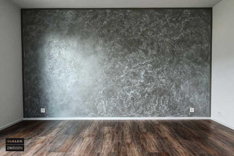 dunkle Wandgestaltung mit hoblio-antiche-terre-fiorentine