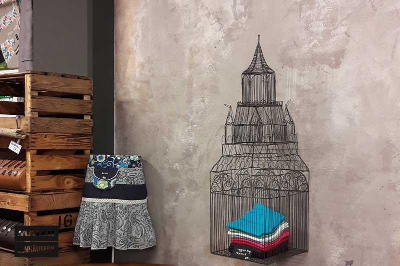 graubraune Wandgestaltung mit hoblio-antiche-terre-fiorentine
