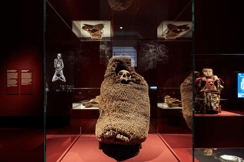 Ausstellungsraum Mumien aus Südafrika.