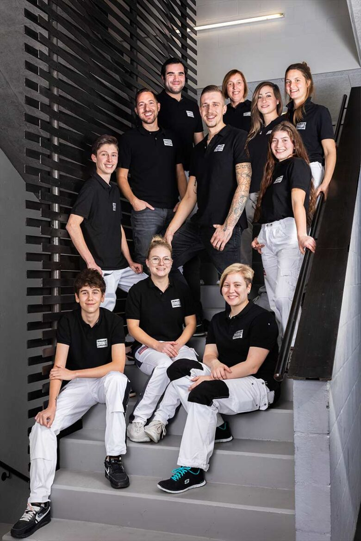Teamfoto vom Maler Zenhaeusern Team